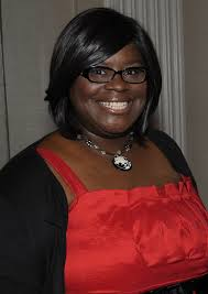 Retta entertains Welcome Week crowd