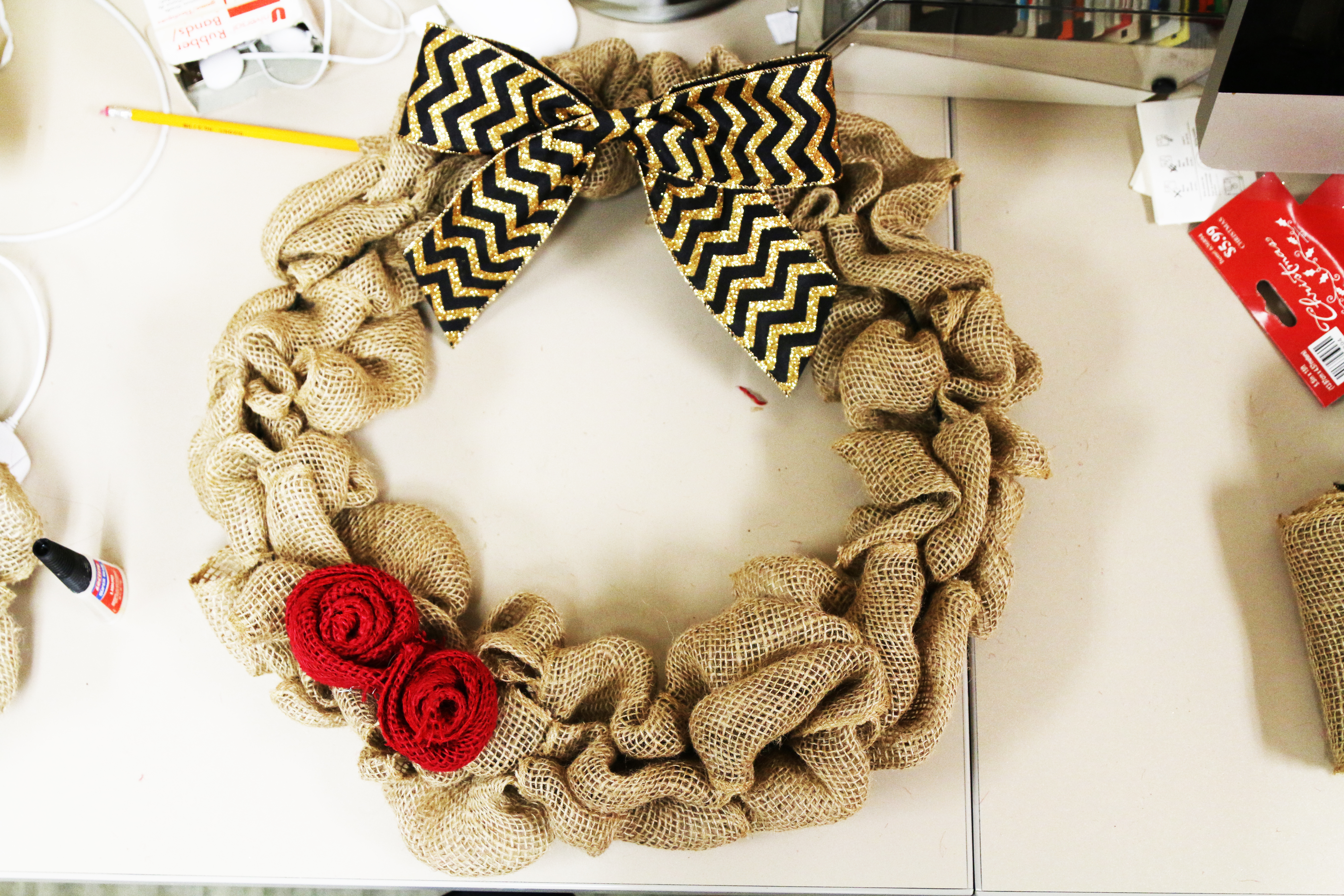 Pinpossible: Burlap Wreath