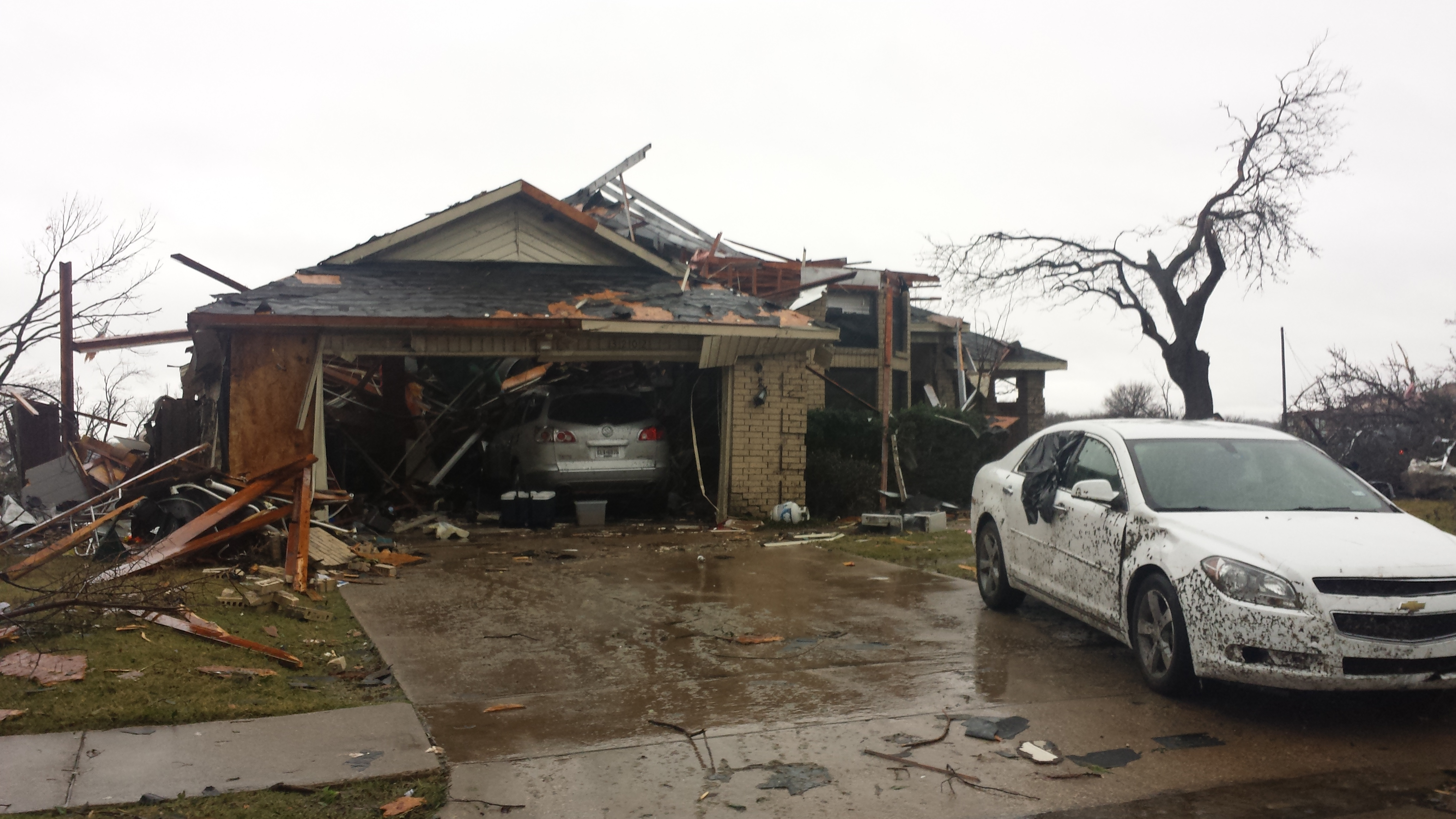Storms rip through Rowlett, Garland