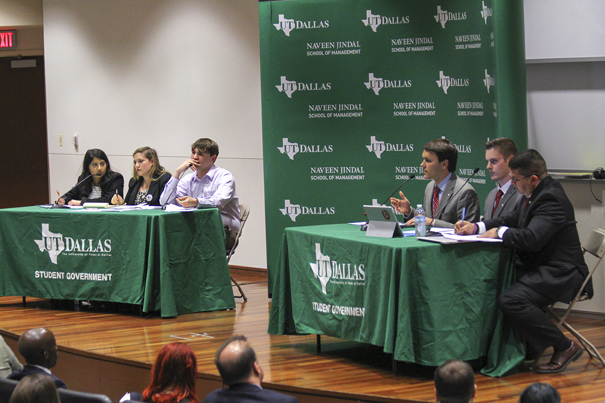 SG hosts student debate