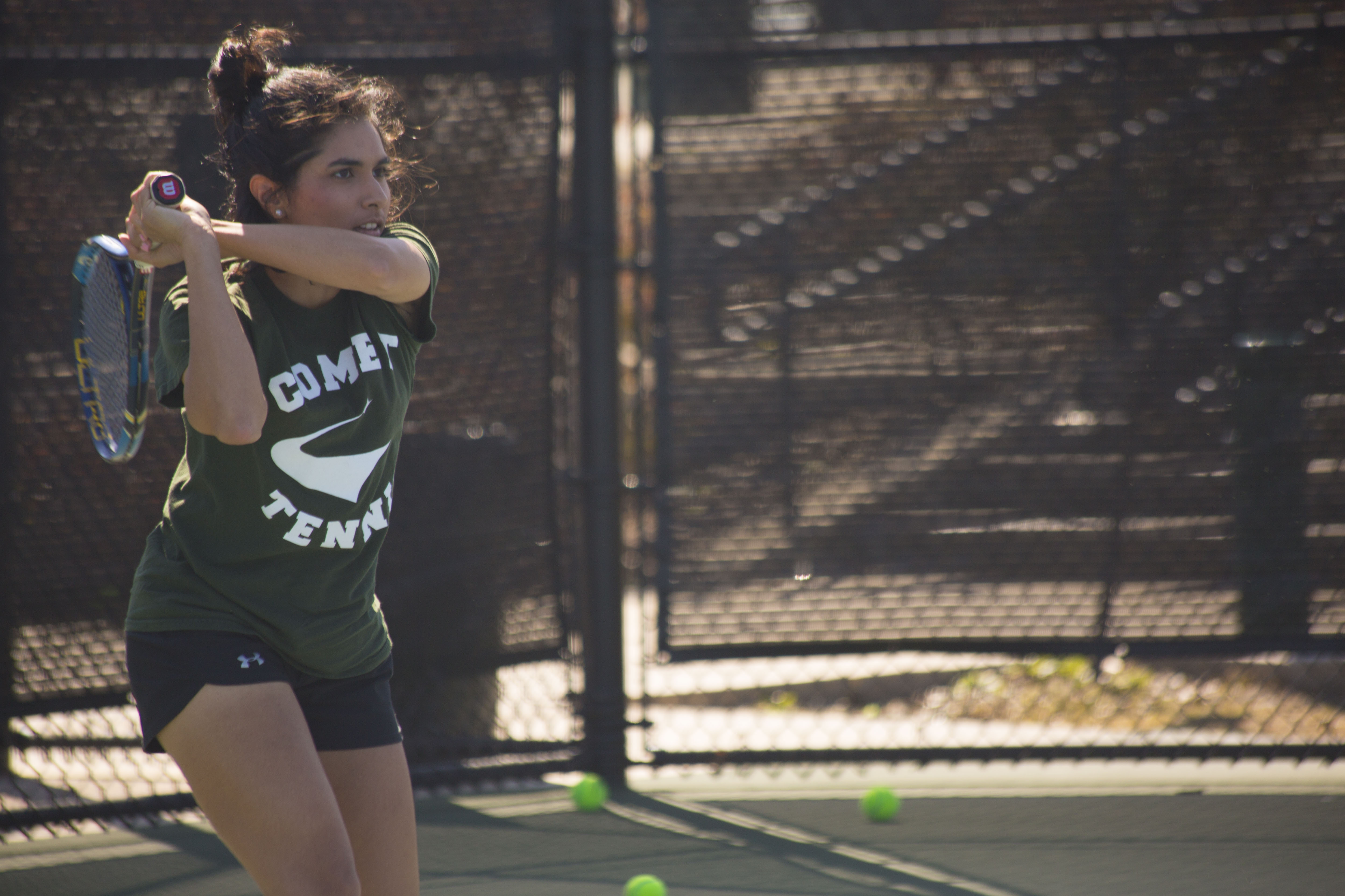 Tennis teams picked to win