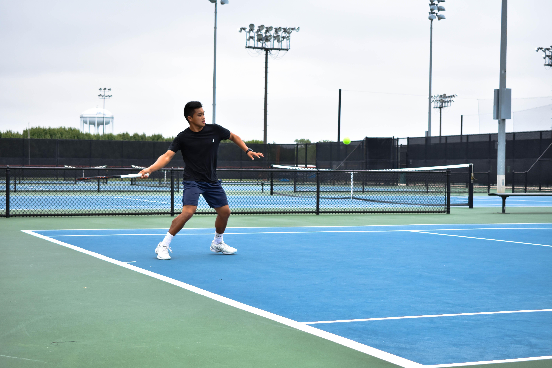 Tennis teams advance through regionals