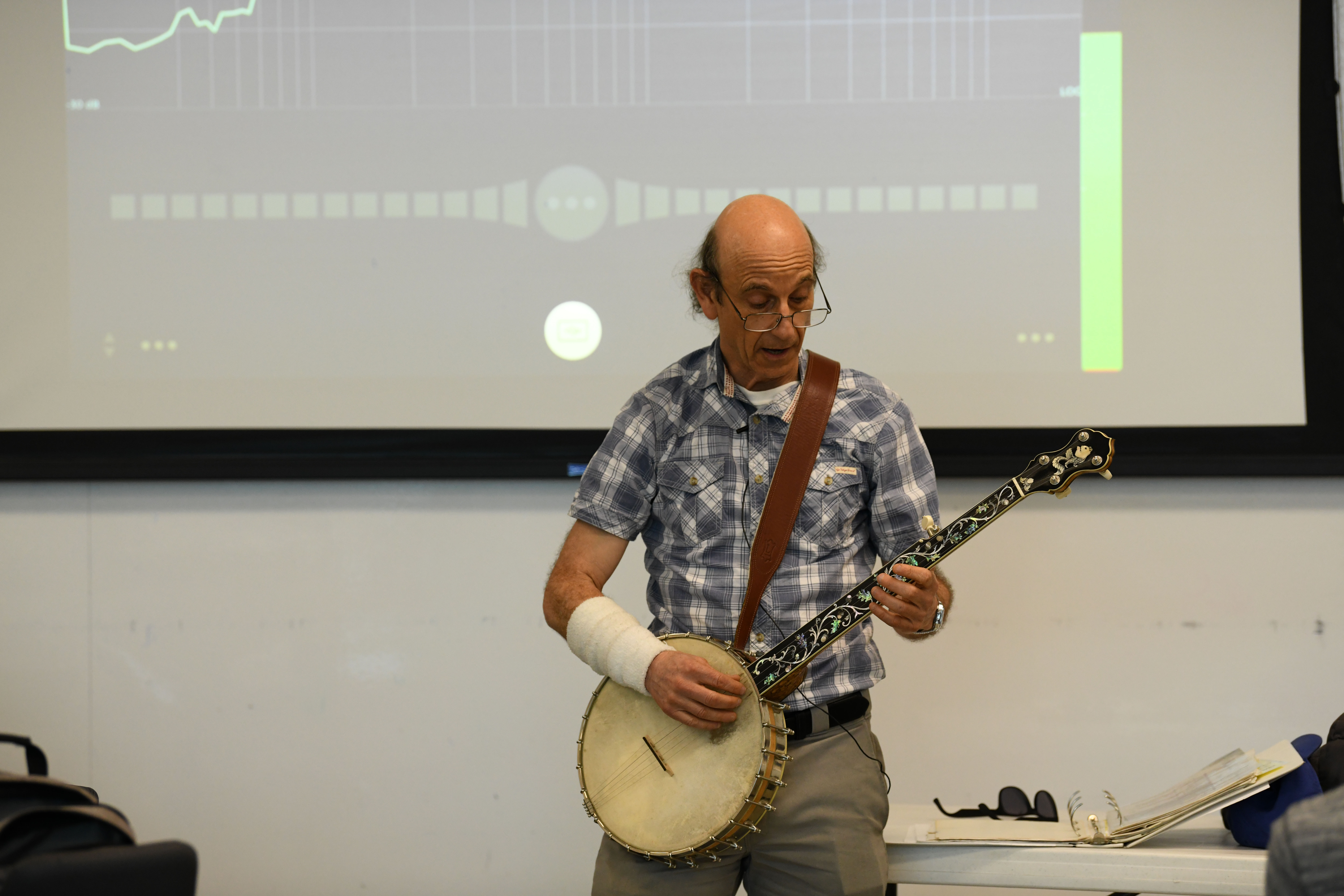 Faculty brings music into classrooms