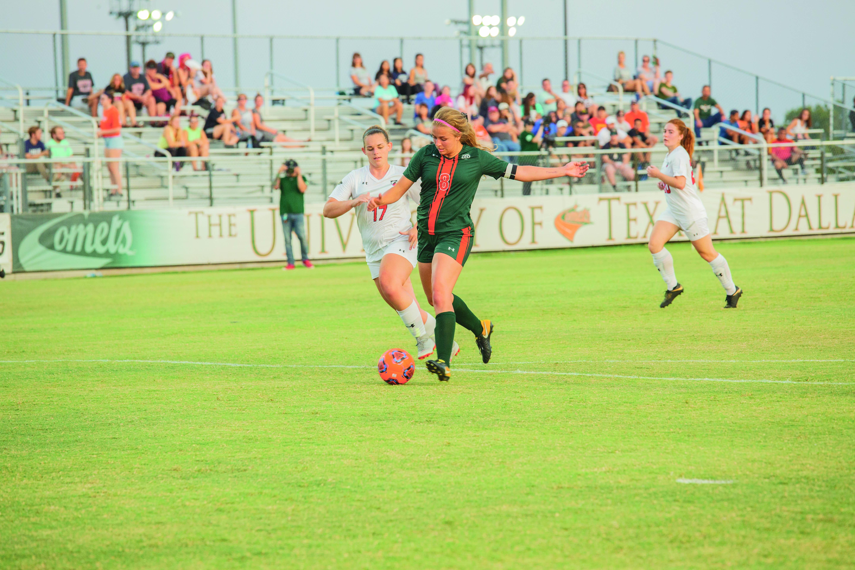 Women's Soccer Starts Season Undefeated