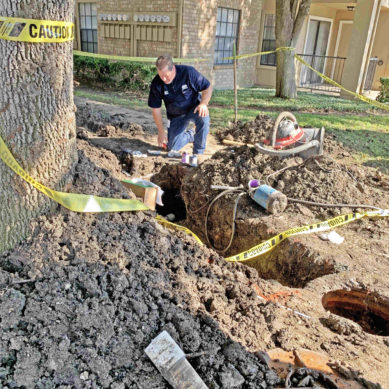 Pipe rupture leaves Comets high and dry